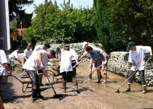 ADRA Freiwillige bei Hochwassereinsatz in Klosterneuburg